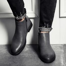 cuir martin homme Promotion en gros pas cher chaussures Meilleure vente 2018 nouvelle mode hommes occasionnels Martin bottes grande taille inférieure en cuir chaussures marque designer B013