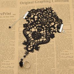 Vintage schwarze strass armbänder online-Mode Lychee Vintage Gothic Frauen Spitze Finger Armband Black Floral Strass Schmuck Steampunk Armband