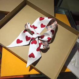 2019 bandeau oreilles de chat rouge 2019 Nouveau sac de soie foulard femme mode printemps marque écharpe style coeur plaid écharpes 110x6cm écharpes foulard femmes châles