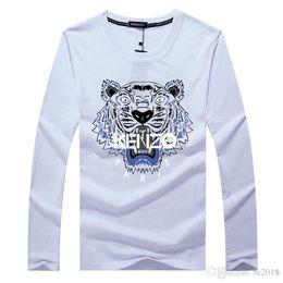 Venta al por mayor 12 colores opcionales de manga larga de algodón absorbente chaqueta de los hombres de Primavera otoño ropa diseñador cuello redondo Tigre cabeza de la camiseta desde fabricantes