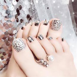 d2432ad37 24 Unids   set Estilo Francés Encantador Glitter Foot Uñas Postizas con  Pegamento Rhinestone Fake Toes Uñas Patch DIY Manicura Pegatina