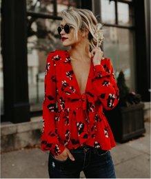 Blusa formal mujer verano online-2018 blusa roja de manga larga de verano con cinturón Mujeres Sexy con cuello en V camisa de mujer elegantes camisetas de impresión ropa formal informal