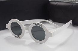 Canada Lunettes de soleil rondes de luxe pour femmes Designer Designer Revêtement Lunettes Paris Print 2018 Nouvelle Italie célèbre dames lunettes viennent avec la boîte supplier rounded eyeglasses Offre