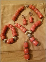 Set di collana dei branelli del corallo online-2018 Fashion Natural Coral Pendant Necklace Set New Original Set di gioielli da sposa corallo per le donne Beads africano ABH797