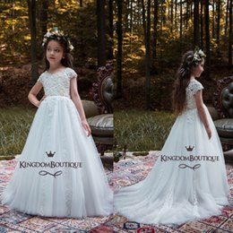 Wholesale long pretty formal dresses - 2018 Pretty White Lace Flower Girl Dresses Princess Cap Sleeves Appliqued Long Girl Formal Wear Gowns Girl Pageant Birthday Dress