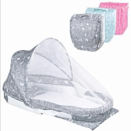 Baby-wiegen online-Tragbare Babybett Multifunktions für Neugeborene Ourdoor Kindergarten Reise Klapp Baby Krippe Infant Kleinkind Wiege Matratzenbett KKA6259