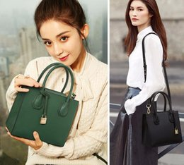 Wholesale Womens Large Leather Handbags - Fashion Designer Handbags New Arrival Womens Bags Large Capacity Designer Totes Bags Clutch Totes Famouse Brand Name Handbags