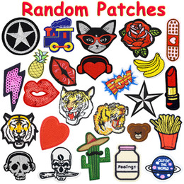 Wholesale free sewing - 20PCS Random Patches for Clothing Iron on Transfer Applique Patch for Bags Jeans DIY Sew on All Kinds Embroidery Stickers Free Shipping