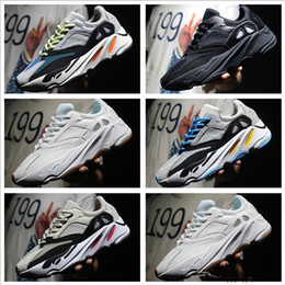 Wholesale Red Chalk - Discount Kanye West Boost Retro Wave Runner 700 Grey Causal Shoes Boost Mens Women Solid Grey Chalk White Core Black Sneakers With Box