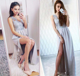 Wholesale Pageant Slips - Glamorous Lace V-neck Long Prom Dresses Sexy Backless Side Slip Vintage Formal Evening Party Wear Long Cheap Girls Pageant Gowns