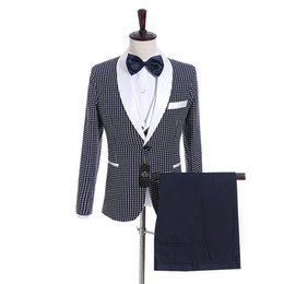 Wholesale gray prom tuxedos - Groomsmen Navy Blue with Dot Groom Tuxedos Shawl White Lapel Men Suits Side Vent Wedding Prom Best Man Blazer ( Jacket+Pants+Vest+Tie ) K939