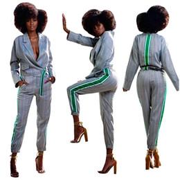 Automne Hiver 2018 À Rayures De Mode Femmes Costumes Deux Pièces À Manches Longues Col Revers Veste Courte Et Pantalon Taille Haute Costumes Real Images ? partir de fabricateur
