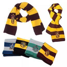 Sciarpe di natale online-Harry Potter Sciarpa Grifondoro Scuola Serpeverde Inverno Sciarpe lavorate a maglia con distintivo Scollo a coste Costume Cosplay Sciarpa a righe Xmas Halloween best