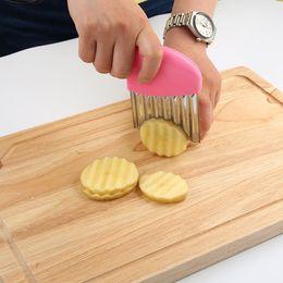 Французская обжарка слайсеры из нержавеющей стали онлайн-Из нержавеющей стали картофеля Slicer волнистые резак многофункциональный картофель нож фрезы вырезать картофель фри кухня гаджеты растительные инструменты HH7-400
