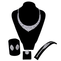 La nueva llegada de las mujeres de lujo de la boda sistemas de la joyería que fijan el cz blanco 4pcs fija (collar + pulsera + anillo de los pendientes) envío libre desde fabricantes