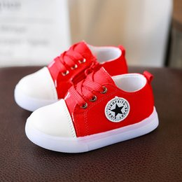 f6a4b621f387 Cool 2018 Fashion Brand LED Lighted Toddler High Quality Noble Baby Boys  Girls Shoes Breathable Sneakers Glowing First Walkers affordable cool girls  shoes