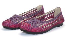 2018 женщина руководство, подготовленный стильный и удобный Афины лето плоский дышащий полые сетки обувь легкий повседневная сандалии обувь от Поставщики стильная сетчатая обувь
