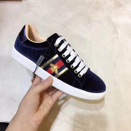 Wholesale Luxury Leather Sport Shoes Men - 2018 new fashion top quality and men luxury brand designers sports shoes and walking shoes. red bottoms men and women unisex shoes