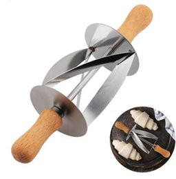 Wholesale Bread Dough - Stainless Steel Croissant Rolling Cutter Pizza Bread Slicer Wooden Handle Dough Pastry Knife Baking Croissant Pastry Kitchen Knife KKA4244