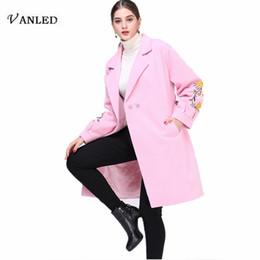 Шерстяные пальто розовые онлайн- Design VANLED 2018 Autumn Winter Coat Women Pink Plus Size 4XL Embroidery Woolen Trench Coat Womens Outerwear Abrigos Tops