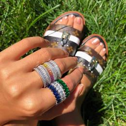 Schöne ringe für mädchen online-Neueste Stil Farbverlauf Regenbogen Farbe Ringe Punk Rock Frauen Mädchen Österreichischen Kristalle Geschenk Ringe Zierliche Weibliche Schöne Finger Schmuck