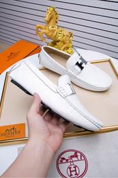 Zapatos mocasines para hombre online-2018 otoño de alta calidad para hombre Hebilla de lujo de cuero genuino multicolor Mocasines Medusa Zapatillas de conducción zapatos de conductor Tallas grandes EUR3