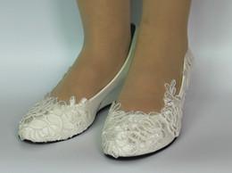tamanho sapatos brancos de noiva Desconto NOVA luz branca marfim rendas sapatos de casamento plano baixo cunhas de salto alto de noiva tamanho 35-40