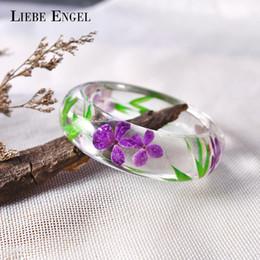 Bracelets indiens de haute qualité en Ligne-LIEBE ENGEL Mode Clear Resin Bangle Bracelet Avec Réel Fleur Séchée Feuille Manchette Bijoux Indiens Bracelet Femmes De Haute Qualité