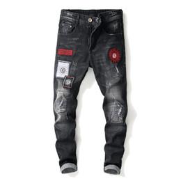 più jeans designer di dimensioni Sconti Jeans da uomo firmati 2019 Stampa Jeans da uomo di design da ricamo Pantaloni da cowboy casual in cotone per jeans biker plus size