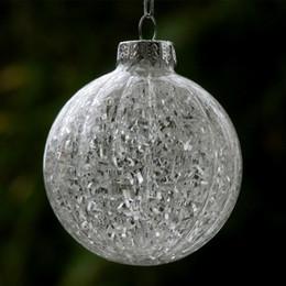 chips de embalaje Rebajas Diámetro = 10 cm 12pcs / paquete de rayas bola de cristal de la Navidad con el vidrio interior de la viruta de Navidad decorativa colgante Día