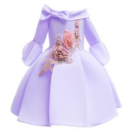 Wholesale Nuevo diseñador Vestido de niña media manga sin hombros Vestido de tutú Niños Princesa vestido primavera otoño bordado falda larga