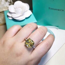 2019 anillos de dedo personalizados Hot2019 sorprendido de alto grado diamante amarillo con incrustaciones de plata discreta de lujo