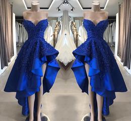 abiti asimmetrici abiti blu royal Sconti Royal Blue A Line Abiti da sera senza spalline in raso Applicazioni in rilievo di pizzo Abiti corti Prom Asimmetrici Abiti da sera BC1866