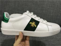 Sapatos de caminhada homens on-line-Designer de luxo Das Mulheres Dos Homens Sneaker Sapatos Casuais Low Top Sapatilhas De Couro Ace Tigre Cobra Listras Sapato Andar Formadores