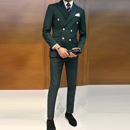 2019 giacca a doppio petto uomini verdi Smoking verde scuro business sposo slim fit per matrimonio 3 pezzi (giacca + gilet + pantaloni) giacca uomo vestito doppio petto C18122501 sconti giacca a doppio petto uomini verdi