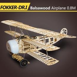 Kits de avião modelo elétrico on-line-Avião de Madeira de Balsa Fokker DR1 Plano RC Clássico Modelo 0,8 M Envergadura 4CH Alimentados Por Controle Remoto Elétrico Aviões Kits de Construção