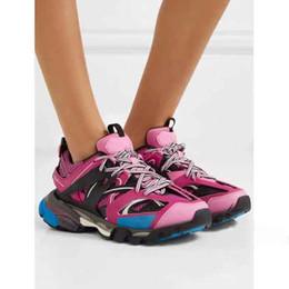 2019 botas de cowboy vermelho sexy Novos Sapatos de Lazer do Desenhador Sapatos de Lazer de Mistura Sólida do Desenhador de Triplo S Combinação de Sapatos de Lazer de Corrida do Fundo das Mulheres Top Running Volu