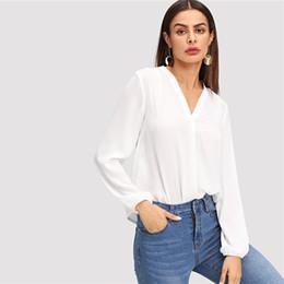 Camicette semplici online-Collo V Bianco Plain Top Abbigliamento da lavoro Modern Lady Pullover a maniche lunghe Camicetta Autunno Bohemian Ol Work Elegant Blouses