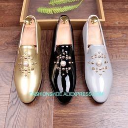 Scarpe in pelle verniciata grigia online-Moda oro nero grigio uomo mocassini scarpe perle scivolare su pelle verniciata a mano scarpe da barca scarpe appartamenti casual scarpe da uomo caldo