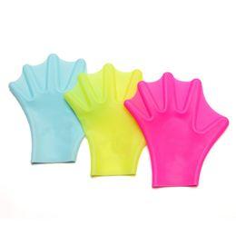 2019 engrenagens de mergulho Treinamento de Natação de Silicone Mãos Webbed Adulto Profess Mergulho Luvas Imitação Pato Palma Azul Rosa Amarelo Nadar Engrenagem 9 5qsD1 engrenagens de mergulho barato