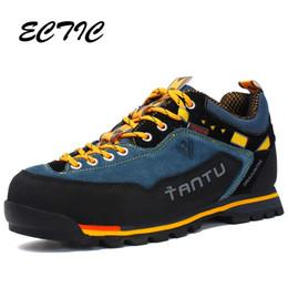 2019 botas de madeira 2018 Homens de Inverno Sapatos de Caminhada Sapatos de Couro À Prova D 'Água Escalada Pesca Ao Ar Livre Popular de Madeira Terra Caminhadas Botas # 97041 botas de madeira barato