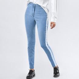 xxxl tamanho jeans feminino Desconto Cintura alta Pérola Jeans Beads Mulheres trecho Elevador Nádega Calças Lápis Listra Listra Calças Jeans Tight Light Blue Plus Size xxxl