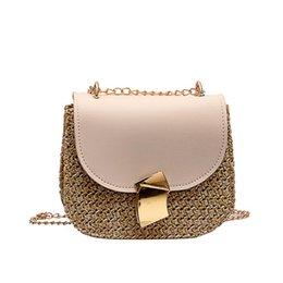 Piccolo tote di paglia online-sacchetti di spalla delle donne sacchetto della paglia Bag Small Flap Crossbody per le donne tessute spiaggia femminile Borse Rattan vimini Bolsa Feminina