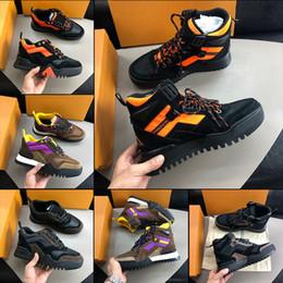 Novo designer de luxo sapatos masculinos marca de moda CAMINHADA SNEAKER homens Formadores des chaussures Homens designer de moda de luxo High top sneakers de Fornecedores de marcas de caminhadas topo