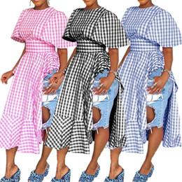2019 hohe kleider Frauen Rüschen Sommerkleid 2019 Frauen Fashion Two-side Split Plaid Hohe Taille Kurzarm Langes Kleid Casual Party Kleider HEIßER C42206 rabatt hohe kleider