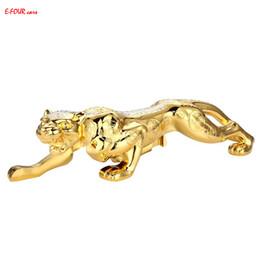 Fortuna de decoracion online-E-FOUR Adornos para automóviles Estilo tradicional chino Fortune Bless Leopard Decoration Car Styling God Bless Strong High Class Ornament