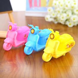 Diseños de productos únicos online-Productos innovadores sacapuntas de lápiz, estudiante de la escuela, necesita un diseño único, moto, volumen, cortador, juguetes para niños, 3 colores