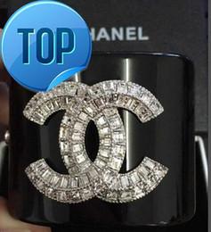 Aretes de diamante 14k online-TITULARES CLAVES CARMAS MÁS BOLSA DE ARRASTRE CHARM Fashion Clear Crystal Diamond Punk Retro Pendientes Studs Con caja