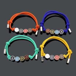 disques ronds Promotion Marque de mode nommée Bracelets Lady Pull-out Rope Bracelet Bracelet avec 18K plaqué or coloré émail coloré pendentif à disque rond