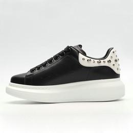 945908118c2570 schöne sneakers Rabatt AAA Qualität Mens Womens Queen Schuh Schöne  Plattform Lässige Turnschuhe Roter Samt Schwarz